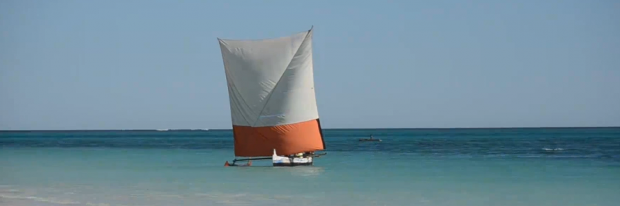 Trip by Vezo outrigger canoe, from the highland to the west and from Morondava to Toliara tour