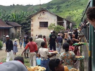 La haute terre malgache et le train FCE, le retro
